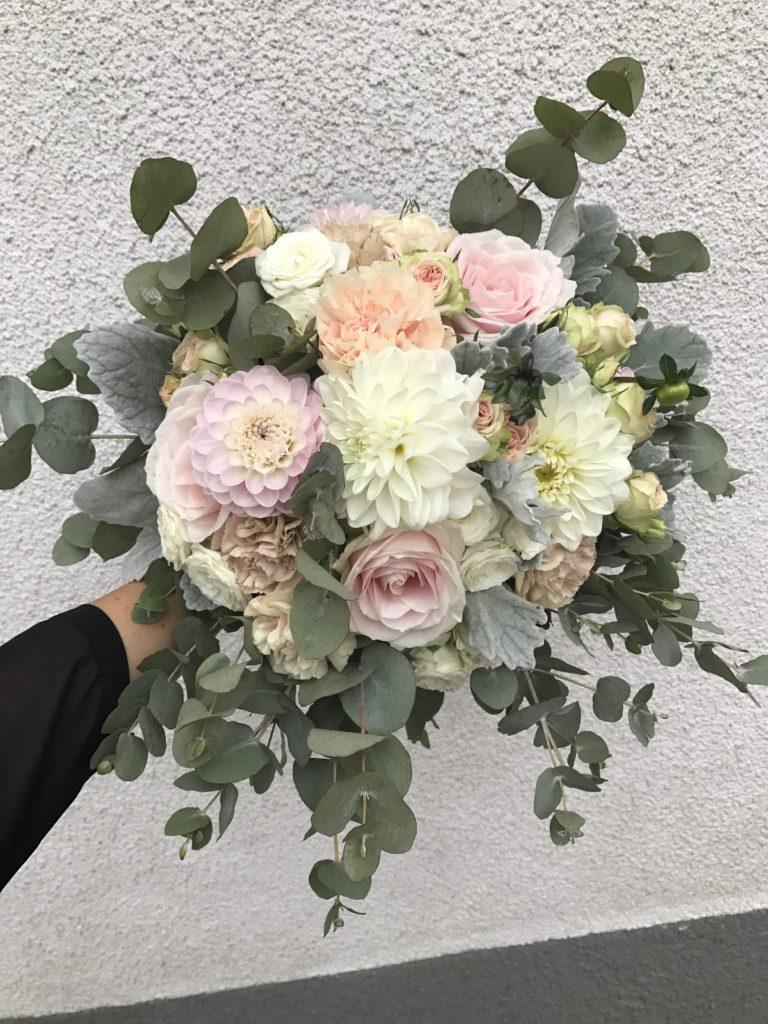skicka blommor bröllop