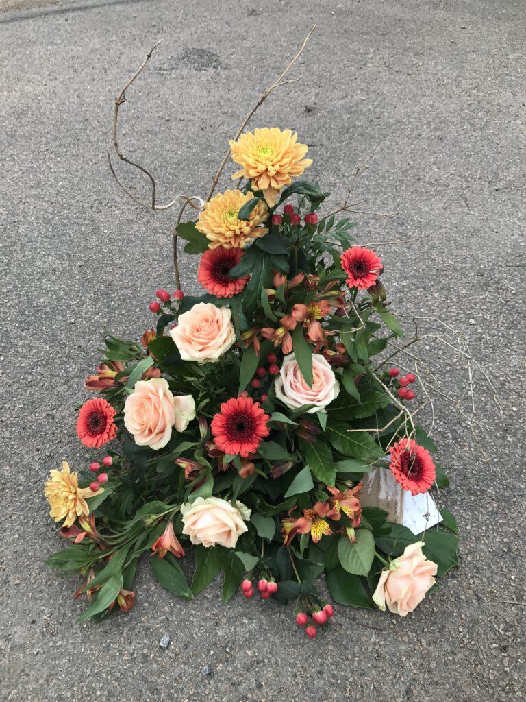 Höga begravningsdekorationer